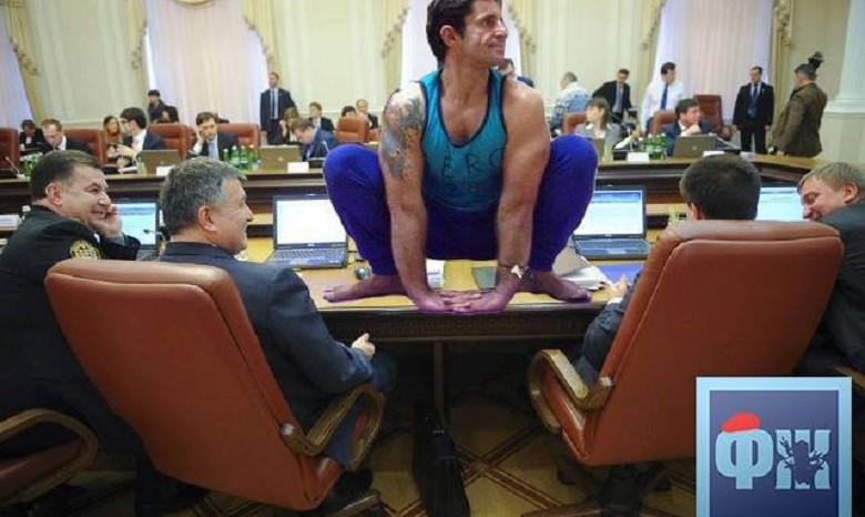 Глава ГСЧС Зорян Шкиряк превратил спасательную операцию в заграничное путешествие с любовницей